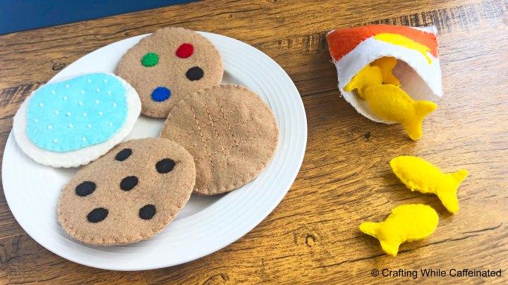 FREE Felt Food Pattern – Goldfish With Bag &Cookies